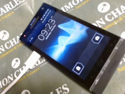 Lot 593 SONY XPERIA Z5 DUEL SMART PHONE