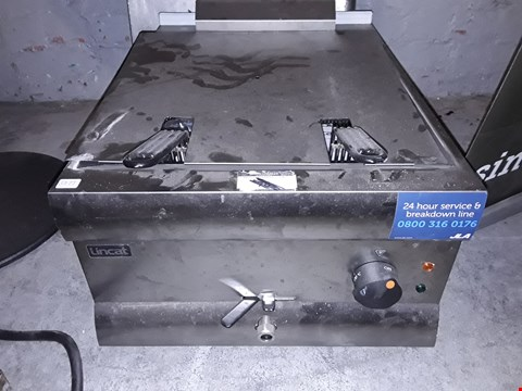 Lot 8135 COMMERCIAL STAINLESS LINCAT ELECTRIC DOUBLE FRYER