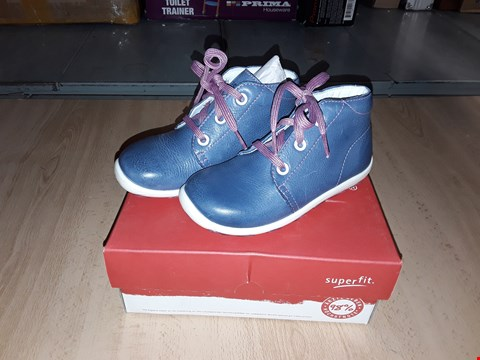 Lot 12355 BOXED SUPERFIT NAPPA LEATHER LAURIE INDIGO BOOTS UK SIZE 8 JUNIOR