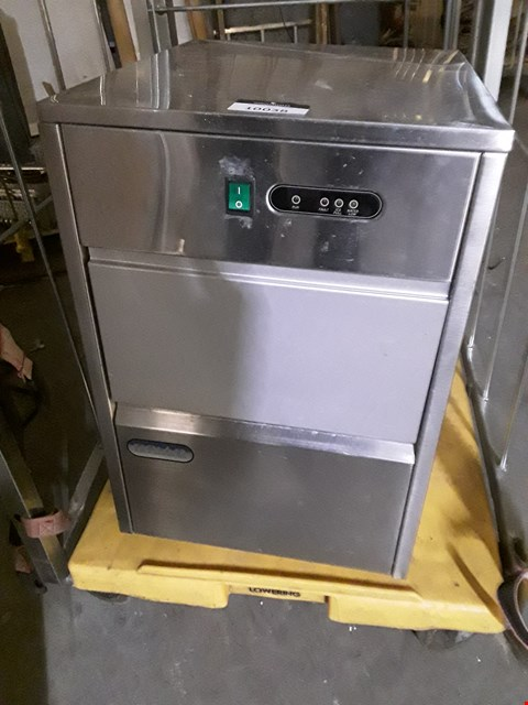 Lot 10038 POLAR TABLE TOP ICE MAKER