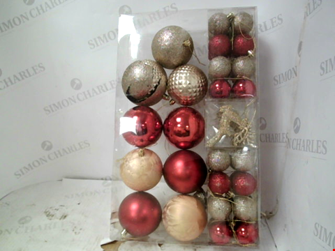 Lot 13073 PACK OF LUXE CHRISTMAS TREE BAUBLES – RED AND GOLD RRP £19.99