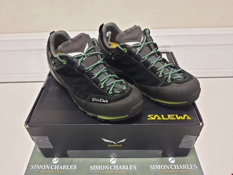 Lot 3015 BOXED PAIR OF SALEWA SIZE 9 SHOES