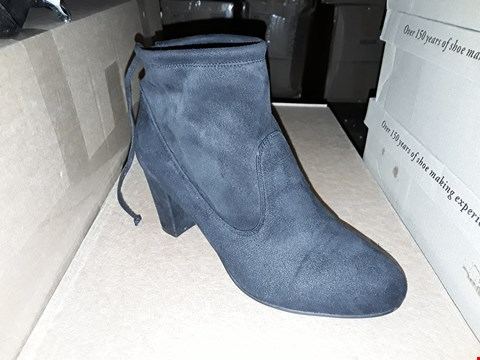 Lot 1300 LOT OF 2 CUSHION WALK SUEDETTE HEELED TIE ANKLE BOOTS SIZES 4 AND 8