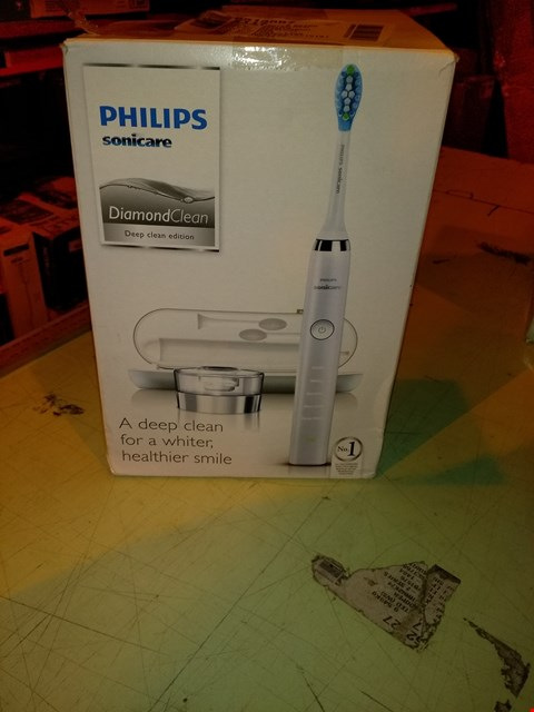 Lot 6795 PHILIPS SONICARE DIAMOND CLEAN CORDLESS TOOTHBRUSH