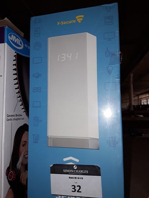 Lot 32 F-SECURE SENSE - SMART ROUTER