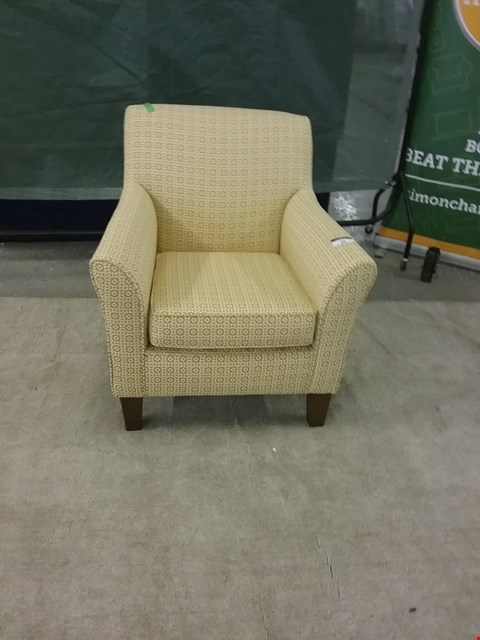 Lot 20 QUALITY BRITISH MADE DESIGNER YELLOW PATTERNED ARM CHAIR