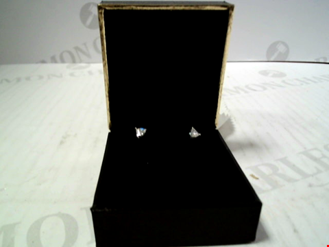 Lot 5619 DESIGNER BOXED WHITE METAL EARRINGS WITH CLEAR STRONES