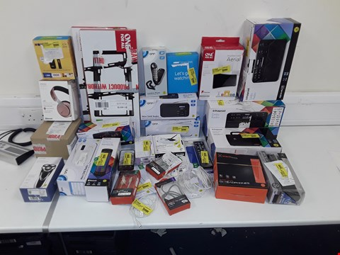"Lot 36 LOT OF APPROXIMATELY 35 ASSORTED TECH ITEMS AND ACCESSORIES TO INCLUDE NOW TV SMART STICK, POLAROID DAB+ RADIO, ONE FOR ALL 32-65"" TV WALL MOUNT, BLACK WEB SUPERBASS DJ HEADPHONES"