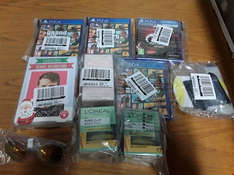 Lot 384 BOX OF APPROXIMATELY 9 ASSORTED BRAND  NEW ITEMS TO INCLUDE GTA V PS4 GAMES, SJP FRAGRANCE, BEARD DECORATIONS ETC RRP £449