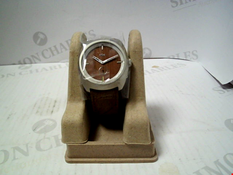 Lot 5464 BRAND NEW HOUSE OF MARLEY TRANSPORTER LEATHER STARP WRISTWATCH