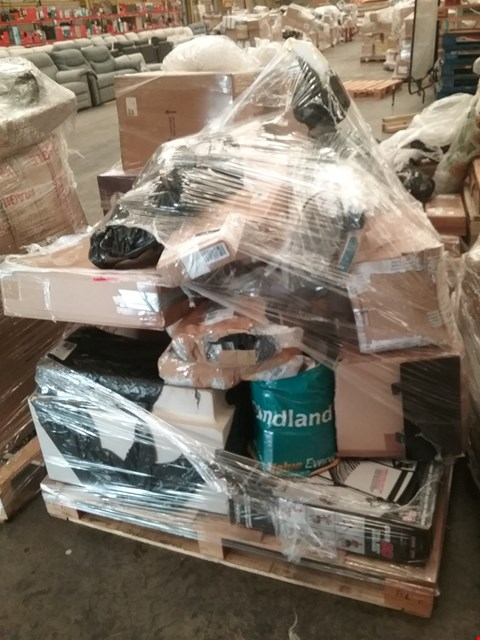 Lot 1032 PALLET OF APPROXIMATELY 14 ASSORTED PRODUCTS TO INCLUDE;