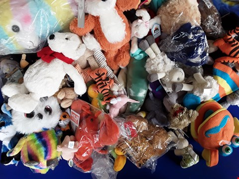 Lot 5100 LARGE BOX OF ASSORTED SOFT TOYS, INCLUDING LUMO STARS AND JELLYCAT