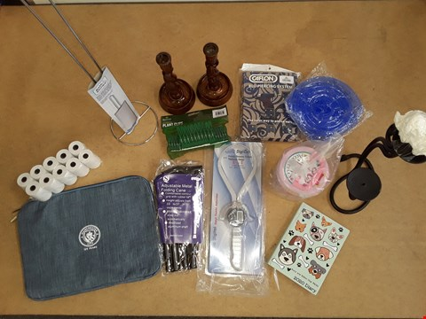 Lot 6036 BOX OF APPROXIMATELY 12 ASSORTED ITEMS TO INCLUDE MANCHESTER CITY CASE,TOILET ROLL HOLDER AND ADJUSTABLE METAL FOLDING CANE