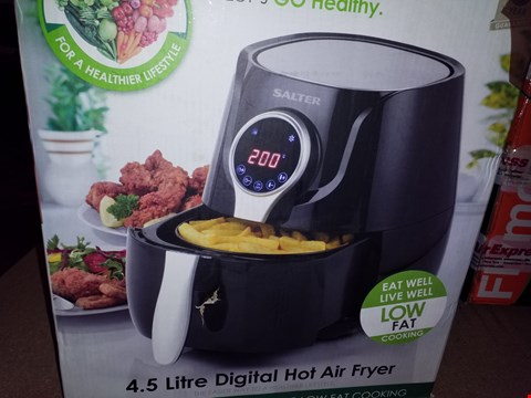 Lot 12591 SALTER 4.5L DIGITAL HOT AIR FRYER