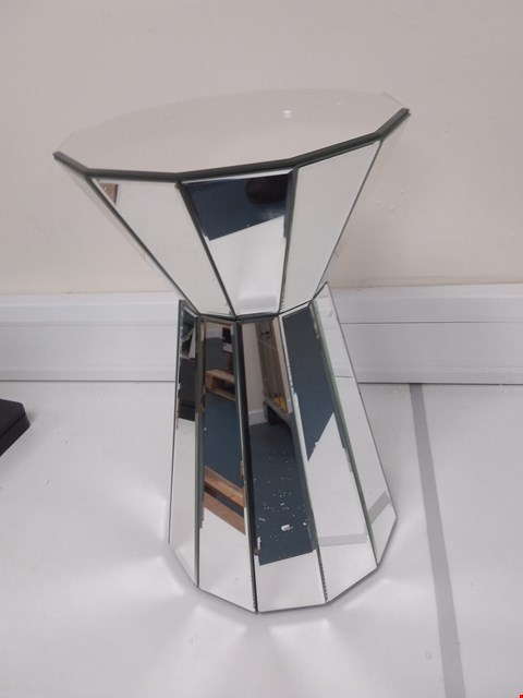 Lot 700 JULIEN MCDONALD MIRRORED PLINTH TABLE