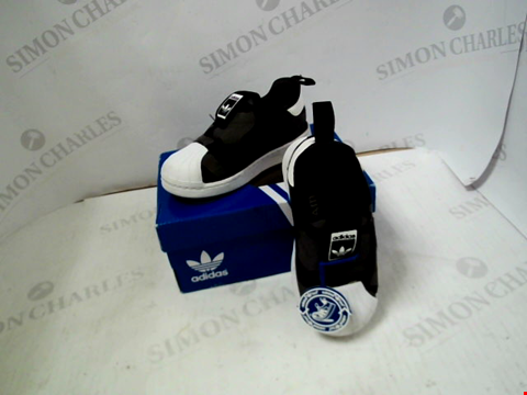 Lot 27 BOXED PAIR OF DESIGNER ADIDAS SUPERSTAR 360 - UK KIDS SIZE 5