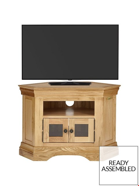 Lot 7070 BOXED GRADE 1 CONSTANCE OAK READY ASSEMBLED CORNER MEDIA UNIT