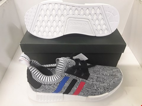Lot 4106 PAIR OF DESIGNER MULTI COLOURED TRAINERS IN THE STYLE OF ADIDAS NMD R1 SIZE UK 10