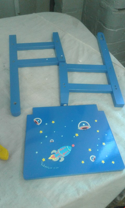 Lot 505 PERSONALISED BLUE SPACE CHAIR