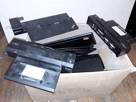 Lot 4606 LOT OF APPROXIMATELY 13 ASSORTED LAPTOP E-PORT STATIONS TO INCLUDE DELL KO9A AND LENOVO THINKPAD DOCK
