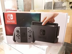 Lot 1 NINTENDO SWITCH GAMES CONSOLE