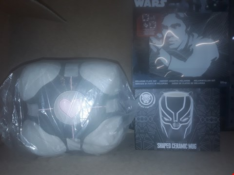 Lot 686 BOX OF APPROXIMATELY 14 BRAND NEW ITEMS TO INCLUDE PORTAL COMPANION CUBE PLUSH, BLACK PANTHER SHAPED CERAMIC MUG AND STAR WARS MELAMINE PLATE SET