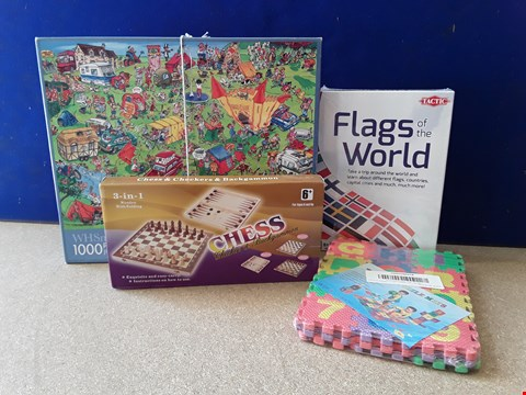 Lot 5078 FOUR ASSORTED TOYS, INCLUDING JIGSAW, FLAGS OF THE WORLD AND CHESS