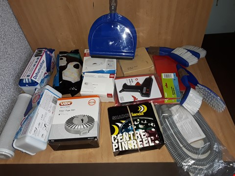 Lot 2588 BOX OF APPROXIMATELY 15 ASSORTED ITEMS TO INCLUDE DEHUMIDIFIER MOISTURE TRAP,VAX FILTER AND GLUE GUN