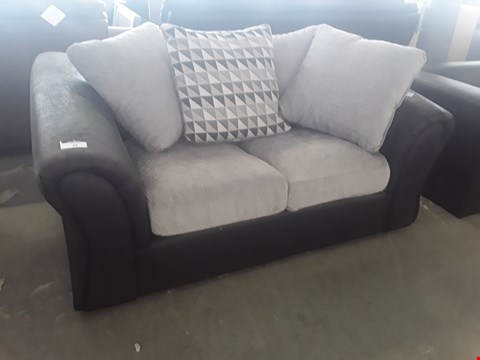 Lot 10 DESIGNER BLACK FAUX LEATHER AND SILVER GREY FABRIC COMPACT 2 SEATER SOFA WITH SCATTER BACK CUSHIONS