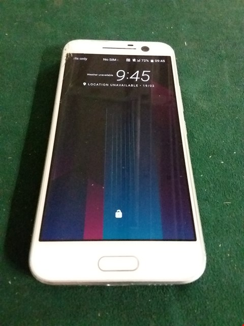 Lot 1081 WHITE HTC MOBILE PHONE- MODEL 2PS6200