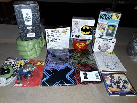 Lot 2210 BOX OF APPROXIMATELY 30 ASSORTED ITEMS TO INCLUDE PLAYSTATION CONTROLLER SKETCHED T-SHIRT, POKEMON POWER BANK, HULK SHAPED MUG