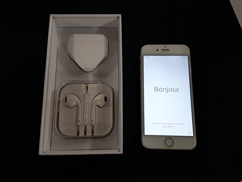Lot 1097 BOXED APPLE IPHONE 6 16GB WHITE  MOBILE PHONE WITH EARPODS AND CHARGER