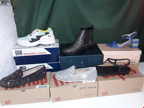 Lot 1087 LOT OF 9 ASSORTED PAIRS OF SHOES TO INCLUDE BOB'S SPORT BY SKETCHERS, FITFLOP, RAVEL