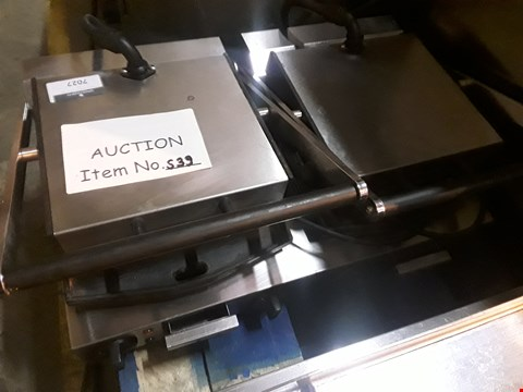 Lot 7027 LINCAT DOUBLE ELECTRIC PANINI/CONTACT GRILL