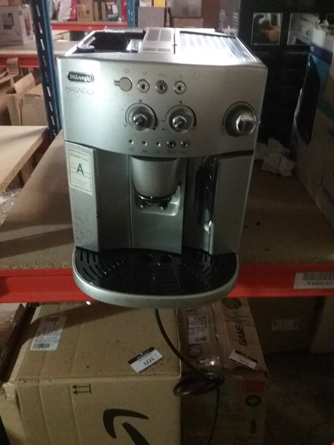 Lot 3219 DELONGHI MAGNIFICA COFFEE MACHINE