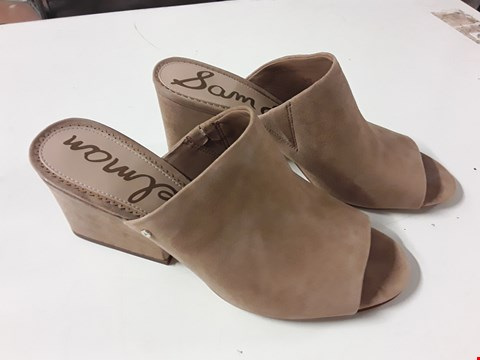 Lot 1 PAIR OF SAM EDELMAN RHETA GOLDEN CAMEL LADIES SHOES - SIZE 40