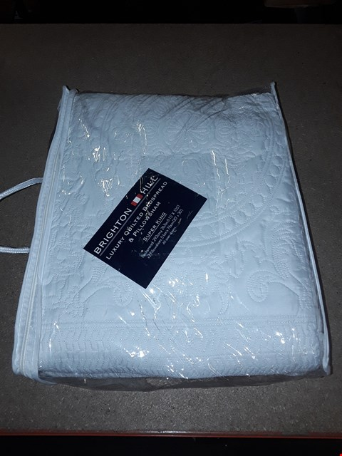 Lot 8416 BRIGHTON HILL LUXURY QUILTED BEDSPREAD & PILLOWSHAM SUPERKING