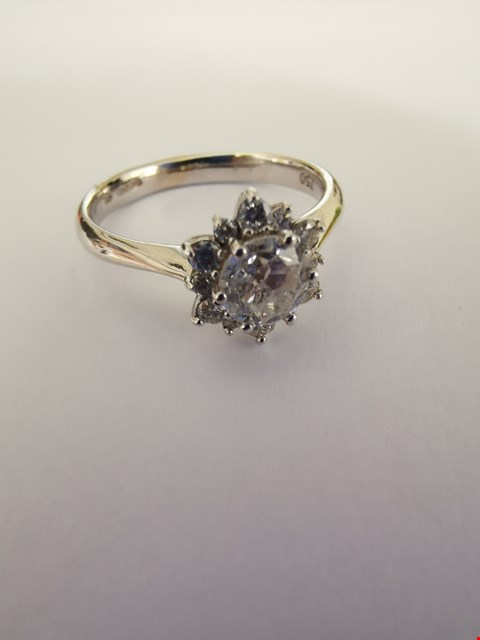 Lot 275 18CT WHITE GOLD CLUSTER RING SET WITH DIAMOND WEIGHING +/-0.75CT