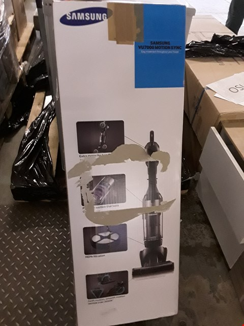 Lot 45 SAMSUNG VU7000 MOTION SYSTEM UPRIGHT VACUUM CLEANER