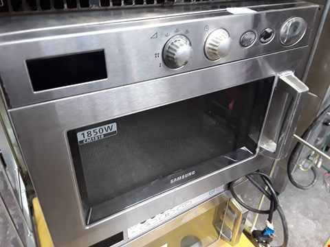 Lot 13560 COMMERCIAL SAMSUNG COMBINATION MICROWAVE OVEN 1850W MODEL NO CM1919