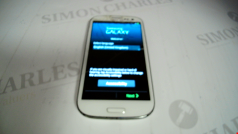 Lot 17362 SAMSUNG GALAXY S3 MOBILE PHONE IN WHITE - GT-19003