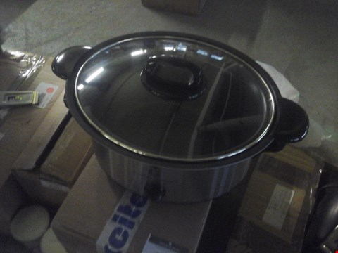 Lot 2250 SLOW COOKER