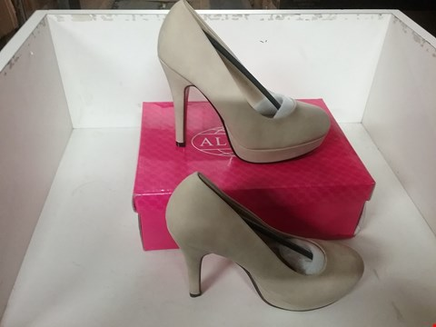 Lot 1049 BOXED BRAND NEW ALWAYS BEIGE STILETTO COURT SHOES SIZE 36