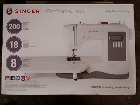 Lot 2492 SINGER CONFIDENCE 7640 SEWING MACHINE