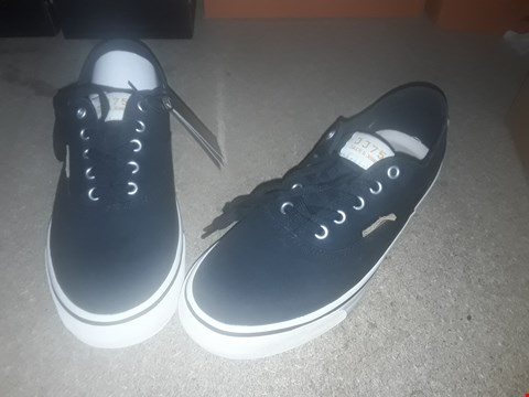Lot 2153 LOT OF 5 BRAND NEW JACK & JONES SHOES TO INCLUDE BLACK/WHITE SURF TRAINERS, BLACK VASPA MIX SNEAKERS AND BLACK BOOTS - VARIOUS SIZES RRP £125