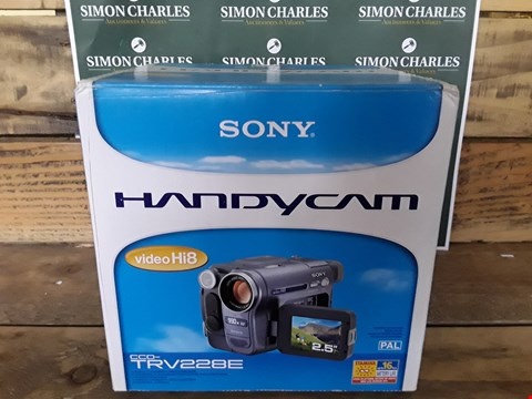 Lot 109 SONY HANDYCAM CCD-TRV228E VIDEO CAMERA