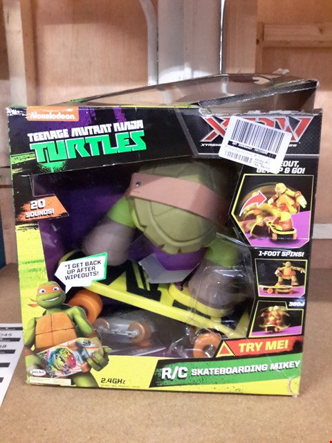 Lot 461 TEENAGE MUTANT NINJA TURTLE SKATEBOARDING MIKEY