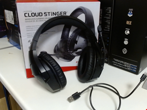 Lot 15238 HYPERX CLOUD STINGER WIRELESS GAMING HEADSET FOR PC, PS4,  PS4 PRO
