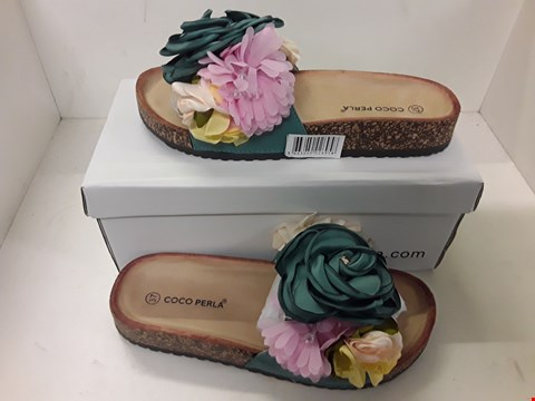 Lot 4063 PAIR OF DESIGNER FLORAL EMBELLISHED FLIP-FLOPS IN THE STYLE OF COCO PERLA