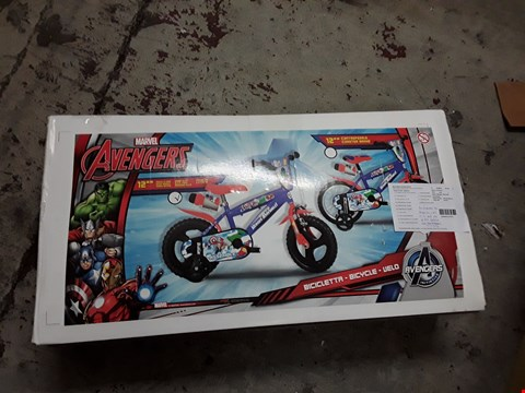 Lot 899 GRADE 1 MARVEL AVENGERS 12INCH BIKE RRP £120